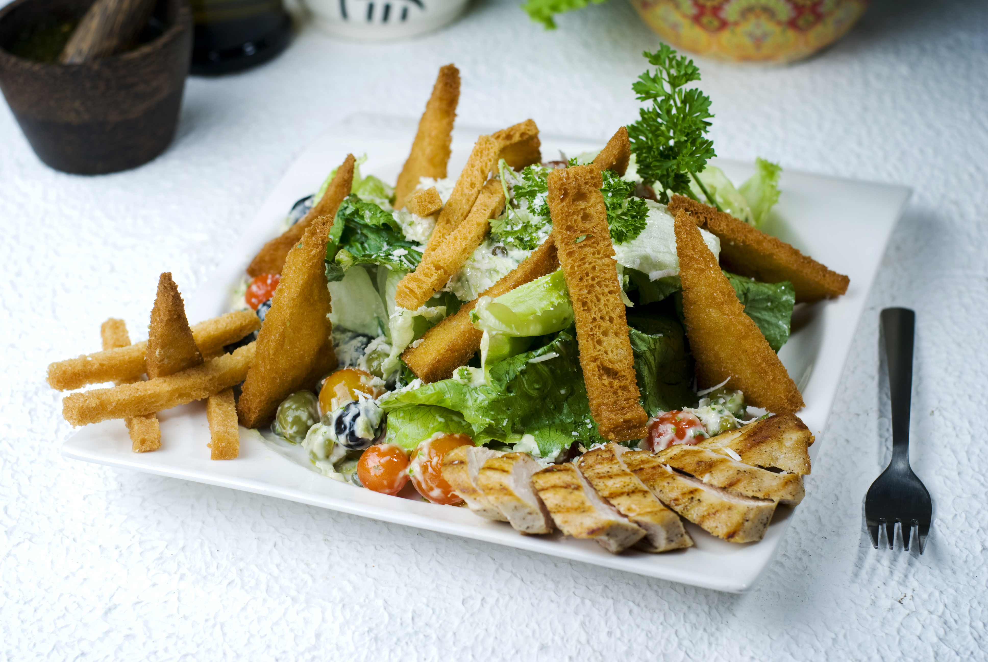 ceaser-salad-with-grilled-chicken